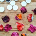 applicazione dei colori acrilici essiccati 1 150x150 - Magneti artistici colorati