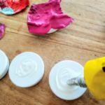 applicazione della colla 150x150 - Magneti artistici colorati