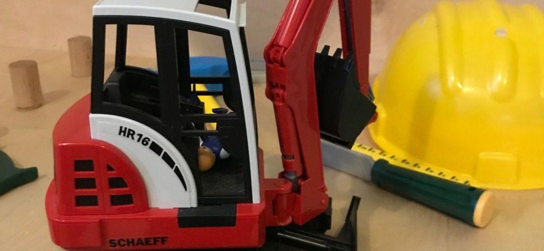 Riparazione magnetica di un escavatore giocattolo