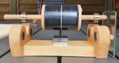 motore solore con rotore flottante in legno