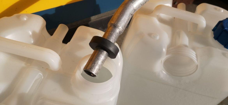 Ausilio magnetico per serbatoio di AdBlue