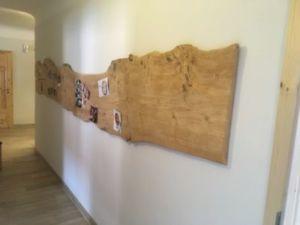 404 300x225 - Parete fotografica realizzata da una tavola di legno antica