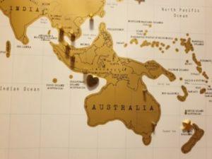 500 1 300x225 - Mappa dei viaggi- bacheca con mappa del mondo fai da te senza l'ausilio di chiodi