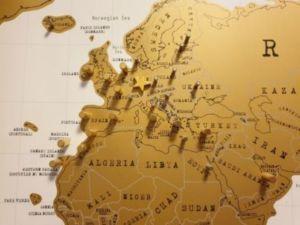 501 1 300x225 - Mappa dei viaggi- bacheca con mappa del mondo fai da te senza l'ausilio di chiodi