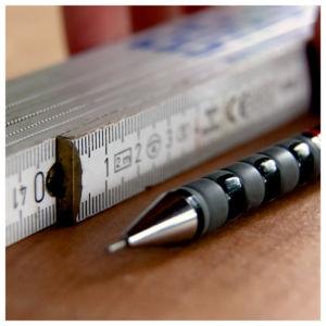 Bohrlöcher markieren 4 300x300 - Ceppo per coltelli - Istruzioni
