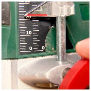 Bohrtiefe einstellen 300x300 - Ceppo per coltelli - Istruzioni