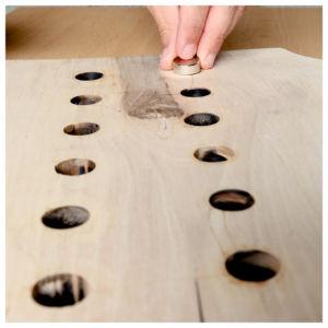 Magnete eindrücken 300x300 - Ceppo per coltelli - Istruzioni