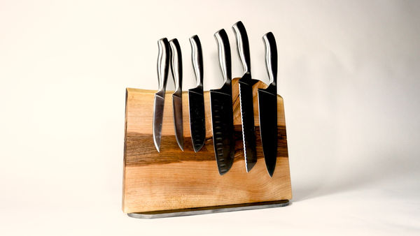 Ceppo magnetico per coltelli