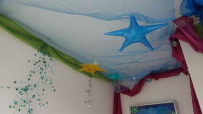 Lettino e stanzetta dei bambini decorate magneticamente